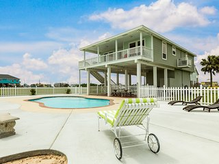 NEW LISTING! Home overlooking wetlands w/ private pool - 1/2 mile to beach