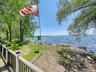 Lake/beachfront home with beautiful views & private dock - dogs welcome!