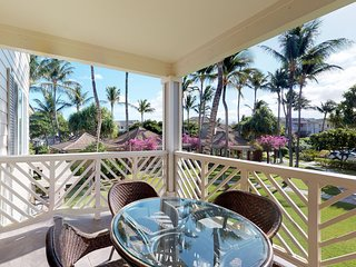 NEW LISTING! Golf course-front condo w/ lanai, AC & shared pool/hot tub/gym!