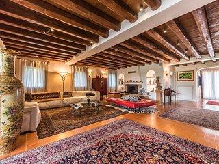 Burano Villa Sleeps 8 with Pool and Air Con - 5809347