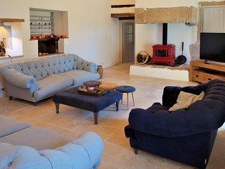 Puylagarde Villa Sleeps 18 with Pool and Air Con - 5809343
