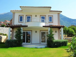 Hanel Royal 3 bedroom Villa with Swimming Pool