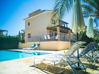 Villa Hector, Sandy Beach walking distance to the beach