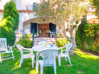 3 bedroom Villa with Pool, WiFi and Walk to Beach & Shops - 5223601