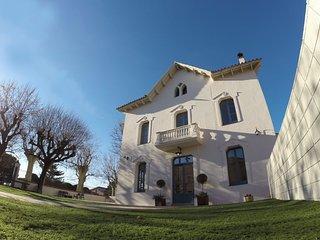 Dos Domus - Luminosa y espaciosa villa con jardín y piscina para 16 personas