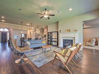 NEW! Manvel Home w/Pvt Yard, 17 Mi to Dwtn Houston