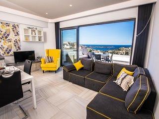 Artist Terrace Luxury Penthouse Apartment