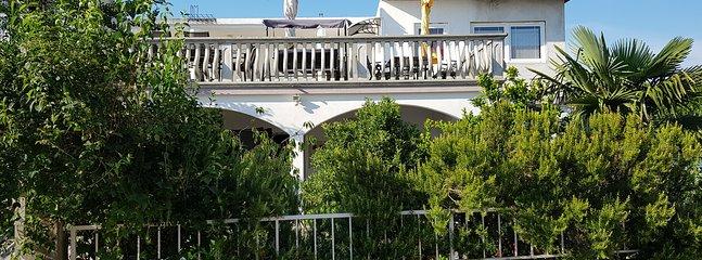 Apartment No 4, vacation rental in Pirovac