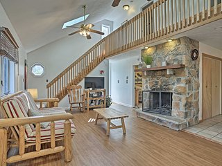 NEW-Poconos Home w/Grill & Porch, Near Ski Resort!