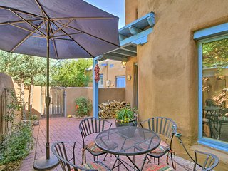 Adobe Townhome w/Private Patio <1Mi to Canyon Road