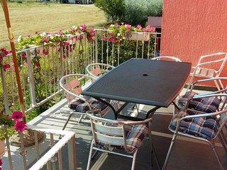 Vrvari Apartment Sleeps 6 with Air Con and WiFi - 5809761