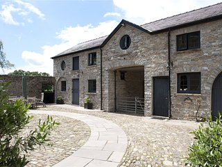 Llwynhelig Manor Self Catering  & Bed and Breakfast
