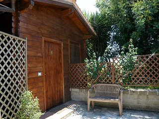Bungalous with garden in the countryside of Rome