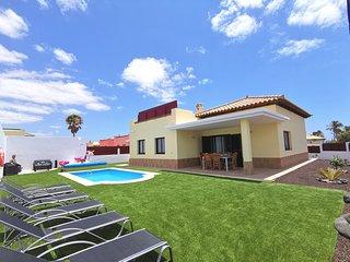 Villa Laura en el centro de Caleta de fuste, 5 min. de playa.