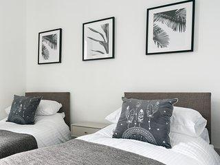 Netherfield: New property sleeps 8, nr Sheffield, Arenas, Meadowhall, M1 & DSA