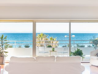 Amazing Beach Apt Panoramic View next to Marina Alimos