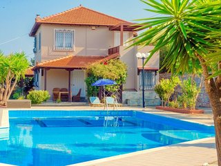 3 bedroom Villa with Air Con, WiFi and Walk to Beach & Shops - 5700289