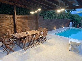 Trilocale Nettuno in villa a 20 metri dal mare con piscina