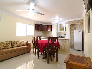 Spacious Two Bedroom Apartment 2 Bathroom with City Views - Free Premium Wi-Fi