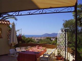 Vue panoramique, Cannes, Cote d'Azur, Villa provencale avec Piscine & Tennis