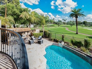 Deluxe retreat w/private pool and outdoor entertaining area with views!