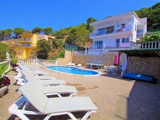 Vacances & Villas Lloret- VILLA FLORENCIA vistas preciosas al mar