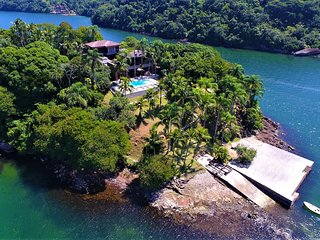 Exclusive Private Exquisite Island - W01.337