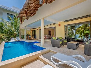 A truly amazing setting, Villa Luminosa, 10 mins from Tulum!