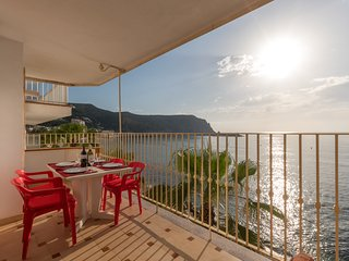 Front Line sea view 3 bedroom Apartment with 2 bathrooms