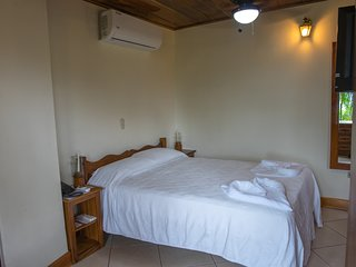 El Avion Ocean View Studio 3 with Balcony Sleeps 2
