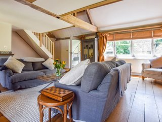 Quail House, Sandford St Martin, Cotswolds - Sleeps 6, Sandford St Martin, Dog F