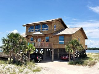 Lost Shaker Of Salt Under New Management-Awesome Location In Gulf Shores