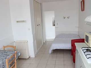 (Std65) Studio** Meuble Curiste 150 m Thermes St Roch 900 m Thermes Connetable
