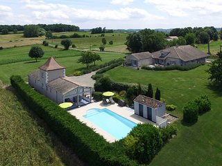 Fabulous barn conversion with real wow factor near to Bergerac and Eymet
