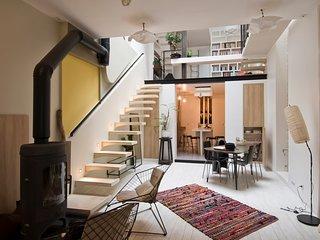 Comme une maison au pied de Montmartre