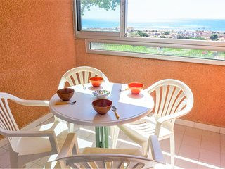 2 bedroom Apartment with Pool, WiFi and Walk to Beach & Shops - 5809783