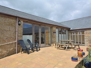 75687 Barn situated in Penzance (5mls NE)