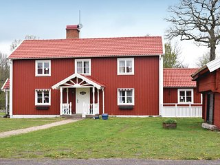 Amazing home in Nybro w/ WiFi and 3 Bedrooms