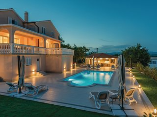 Nice home in Krk w/ Outdoor swimming pool, Outdoor swimming pool and 3 Bedrooms