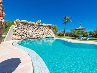 Increíble villa GAMUNDI de 6 dormitorios, precioso jardín y piscina.