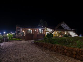 Panchgani near Mahableshwar- Bungalow / Villa / Homestay - Amazing DALA MARE