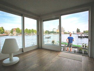 Amstel perfect stay on the water