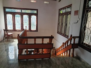 Hari Guest House - 3 Bed Rooms - King size bed - 10 Sleeps