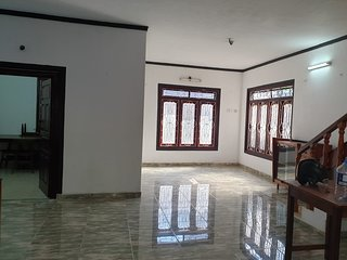 Hari Guest House - 3 Bed Rooms - King size bed - 8 to 10 Sleeps