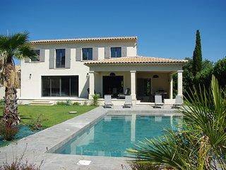 Villa standing 210 m2 avec piscine L'isle sur la sorgue