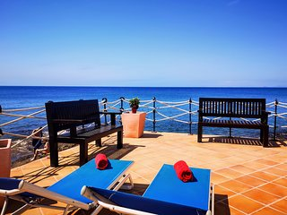 Puerto del Carmen Apartment Sleeps 4 with Air Con - 5825235