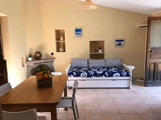 Trebisacce Marina Holiday Home Sleeps 4 with Air Con and WiFi - 5810083