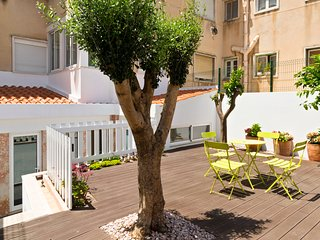 Charming 4BD flat with terrace in Alcantara