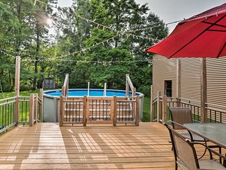 NEW! Lakefront Seneca Falls Apt. w/ Pool Access!