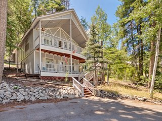 Forest Home w/Decks 3 Miles to Ski Cloudcroft